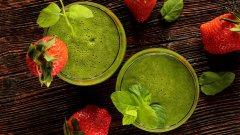 美味水果奶昔 绿色饮品水果奶昔图片