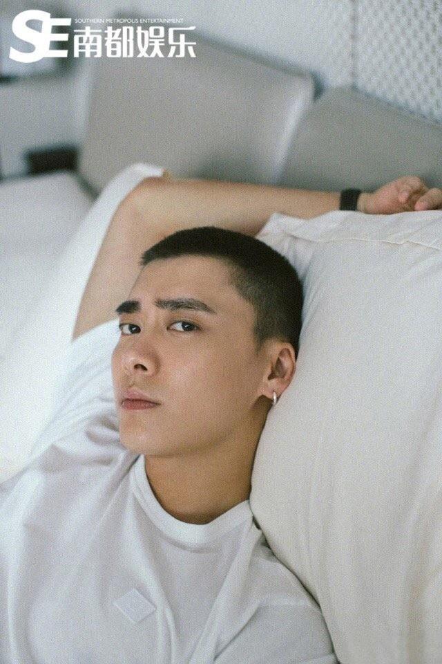 李易峰寸头酷帅时尚写真图片