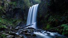 高清壮丽溪流图片