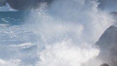 汹涌海浪图片大全
