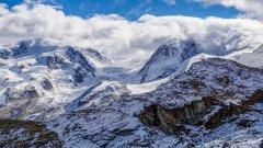 高清雪山图片壁纸