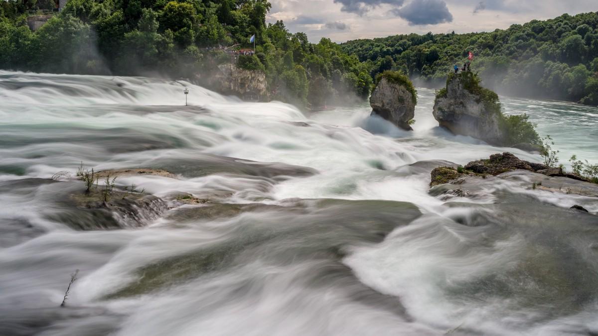 高清莱茵瀑布图片